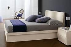 vera stanza di stanza da letto matrimoniale 203 con letto contenitore