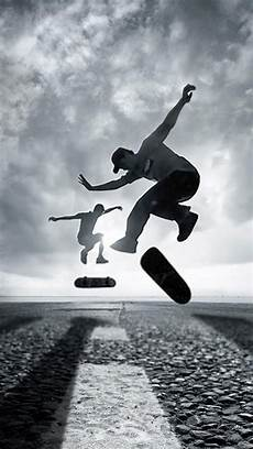 Skateboarding Iphone Wallpaper by Skate Board Wallpaper Wallpaperzen Org