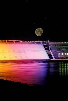 Grand Coulee Dam Light Show Grand Coulee Dam At Night With Full Moon Grand Coulee Dam
