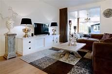 shabby chic interiors soggiorno mobile soggiorno bianco credenze provenzali shabby chic