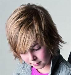 coole frisuren jungs langen haaren 50 coole jungs frisuren und kurze haarschnitte im trend