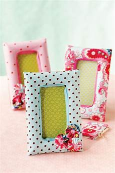 fabric crafts frames 12 diy fabric photo frames to cheer up your pics shelterness