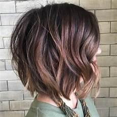 frisuren 2019 frauen lang braun 50 wavy bob hairstyles medium and wavy bobs