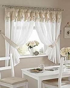 tendaggi per cucine una coppia di tende da cucina a quadretti colore crema