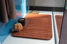 pedana legno doccia pedane doccia su misura e antiscivolo realizzate in legno