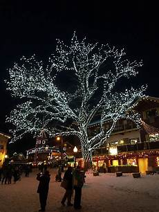 Leavenworth Wa Tree Lighting Family Travel Blog Getting In The Christmas Spirit In