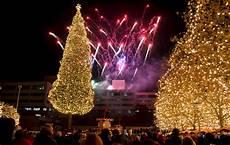 Mayor S Christmas Tree Lighting Kansas City Kansas City Offers Many Free Unique Ways To Celebrate