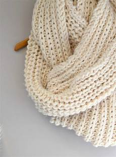big knit scarf pattern in a stitch