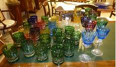 bicchieri colorati lotto di numerosi bicchieri in cristallo di cui alcuni