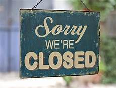Closed For Business Sign 4 Reasons To Convert To A Seasonal Business