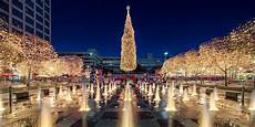 Mayor S Christmas Tree Lighting Kansas City Kansas City Holiday Lights And Seasonal Displays Visit Kc
