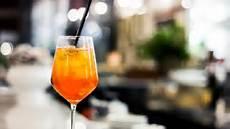 bicchieri per spritz spritz la ricetta originale veneto con