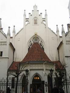 File Jewish Synagogue In Prague Czech Rep Jpg Wikimedia