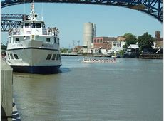Cleveland's Nautica Queen Dinner and Lake Erie Cruises