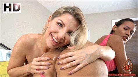 Sameera Reddy Nude Boobs