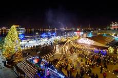 Blue Cross Riverrink Tree Lighting The Top Places To View Holiday Lights In Philadelphia