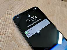 How To Get The Light Notification On Iphone Disable Hidden Notification Previews On Your Iphone X Cnet
