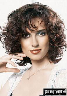 frisuren frauen locken halblang frisuren halblang locken