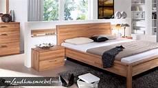 schlafzimmer landhaus massivholz m 246 bel wohnen im landhaus stil esszimmer und