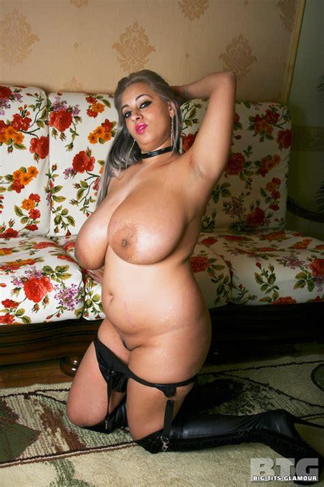 Hypnotised Nude