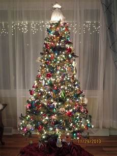 Christmas Tree Decorating Ideas With Multicolor Lights Multi Color Lights On Christmas Tree With Colorful Glass
