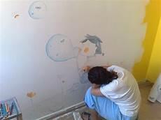 disegni su muri interni illustrazioni disegni decori su muro muri illustrati