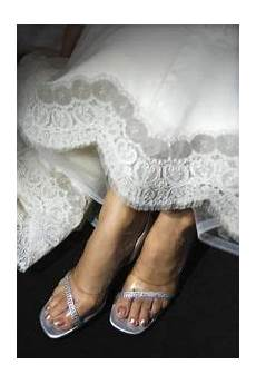 how to clean dirt from the hem of a lace wedding dress