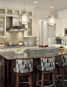 best pendant lights for kitchen island cuisine de style transitionnel avec suspendus
