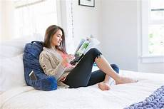 favfactory reading pillow with arms pockets for sitting up