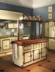 8 Exles Of Kitchens With Movable Islands That Make It Moveable Kitchen Islands For Small Kitchen Space Classic