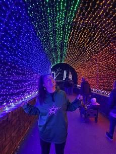 Dallas Zoo Hours Lights Zoo Lights In 2020 Zoo Lights