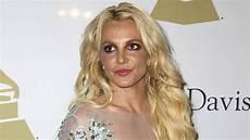 britney spears reacts to conservatorship documentary 2021