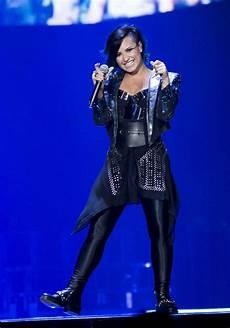Demi Neon Light Demi Lovato Performs At Neon Lights World Tour In Newark