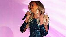 Beyonce Love Me Lights Out Watch Beyonce Silence The Brit Awards For First