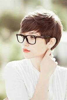 kurzhaarfrisuren frauen mit cut 2020 haircuts for with glasses