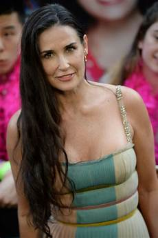 demi moore at rough night premiere in new yokr 06 12 2017