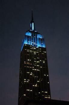 Cn Tower Light It Up Blue Light It Up Blue On April 1st To Shine A Light On Autism