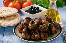 albondigas opskrift recette keftedes boulettes de bœuf 224 la grecque