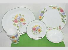 Vintage Corelle 'Pansy' Dinnerware Summer Blush by