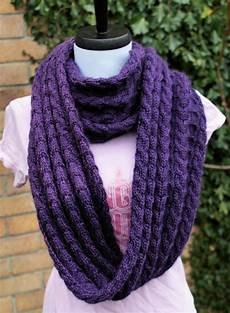 confessions of a yarnaddict shelterbox infinity scarf