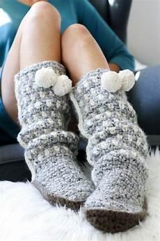 easy crochet slippers free mukluk pattern