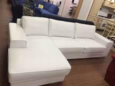 divani classici in pelle prezzi divano bianco in pelle con penisola gienne italia divani