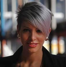 kurzhaarfrisuren graue haare bilder these days most popular grey hair ideas