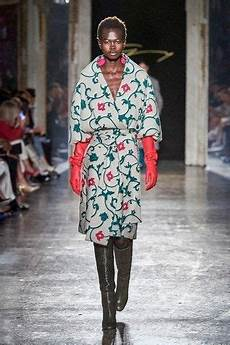 Malvorlagen Winter Versace Genny Herbst Winter 2020 2021 Ready To Wear Fashion