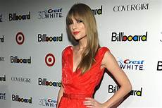 Billboard Year End Charts 1999 Taylor Swift Tops Billboard Year End Charts