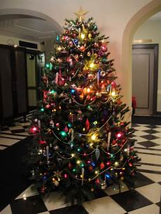 Christmas Tree Decorating Ideas With Multicolor Lights 45 Classic Christmas Tree Decorations Ideas Decoration Love