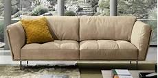 divani bassi otto divani e poltrona bassi imbottiti con braccioli