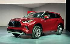toyota models 2020 toyota rolls out new and improved highlander for 2020
