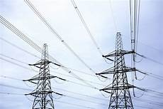 tralicci alta tensione vicino abitazioni linee elettriche mt bt professionalit 224 garantita