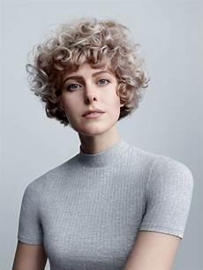 frisuren blond kurz damen bilder kurze haare lockig 22 faszinierend bewertungen um kurze